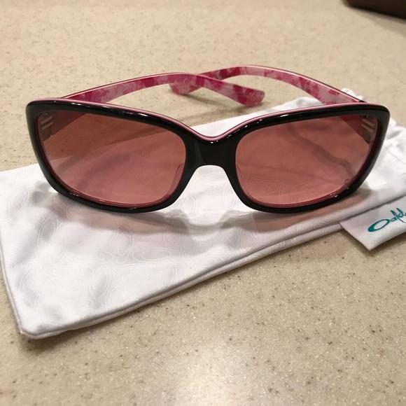 b21faf30bd291 Oakley Discreet Breast Cancer sunglasses pink lens.  M 5b3ac112c2e9feea1efdfbc4